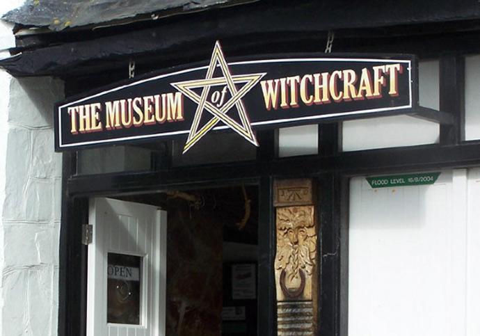 witchcraft_doorway.jpg